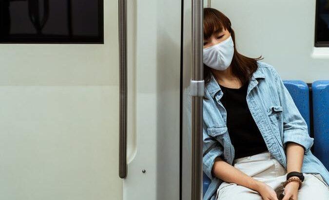 بسبب اضطرابات النوم ، يمكن أن ينام الكثير من الناس دون أن يدركوا ذلك.