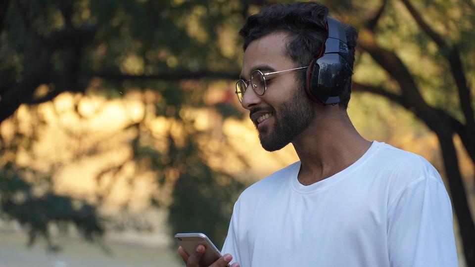 La música sirve como método de relajación para mantener la calma